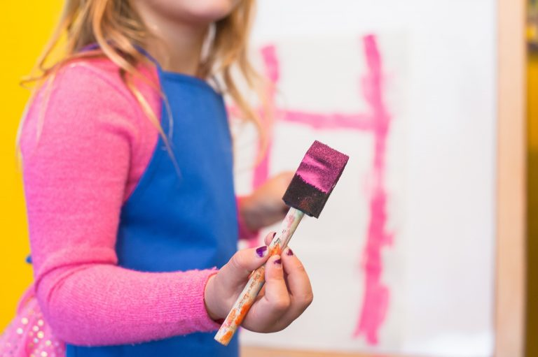 La historia de la niña que pintaba
